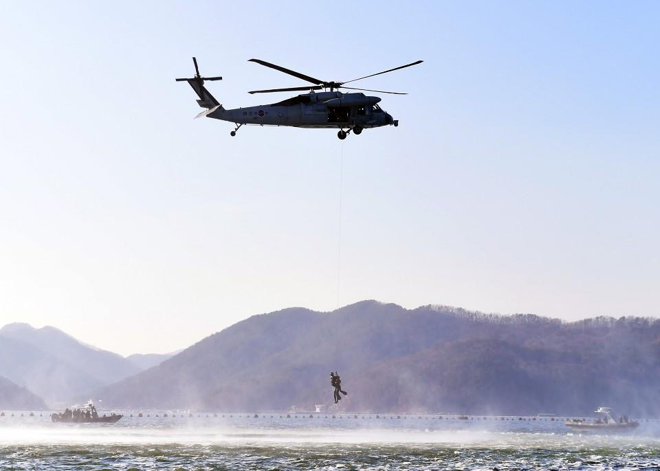 해군 심해잠수사 SSU 혹한기훈련 1.jpg