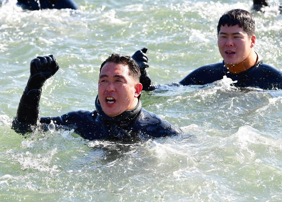 해군 심해잠수사 SSU 혹한기훈련 3.jpg