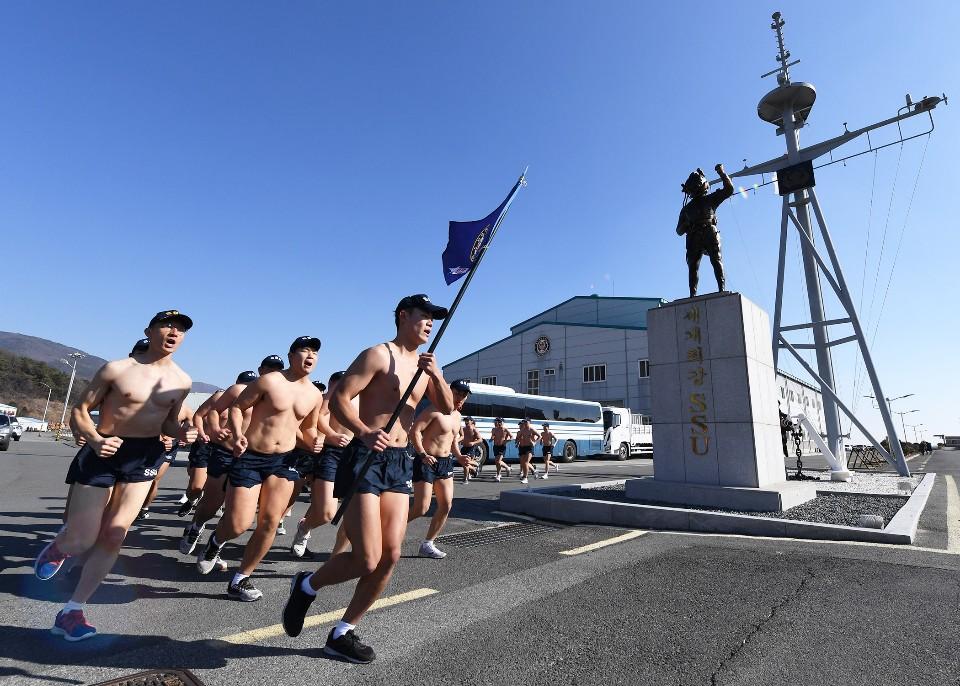 해군 심해잠수사 SSU 혹한기훈련 13.jpg