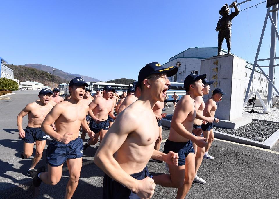 해군 심해잠수사 SSU 혹한기훈련 12.jpg