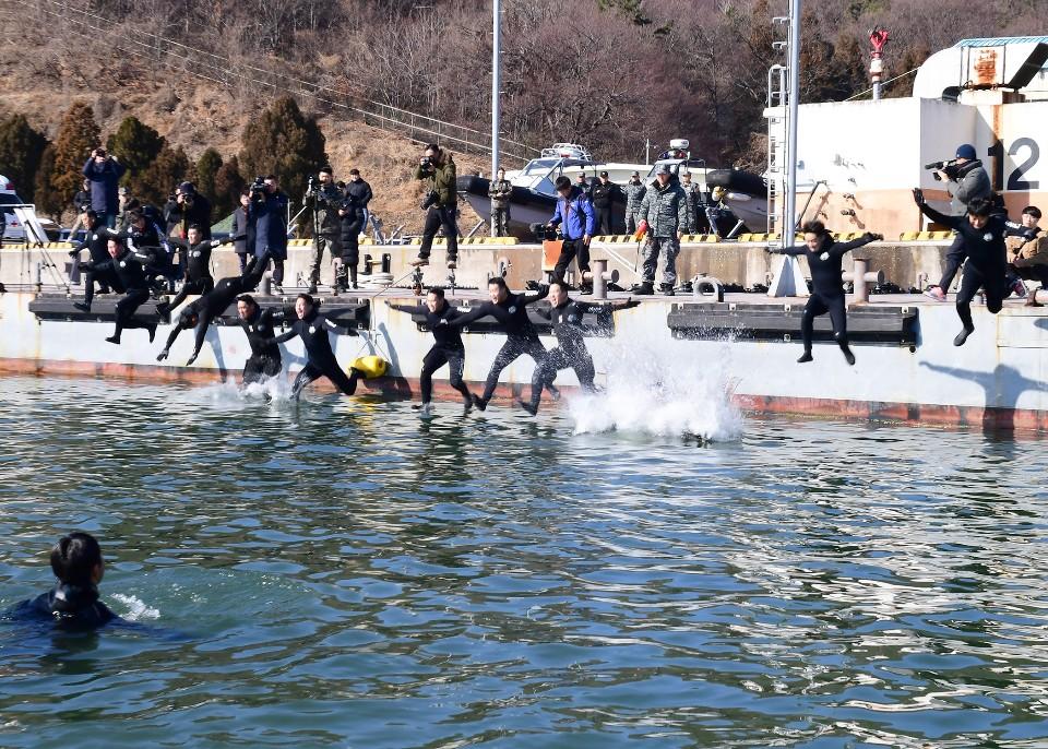 해군 심해잠수사 SSU 혹한기훈련 6.jpg
