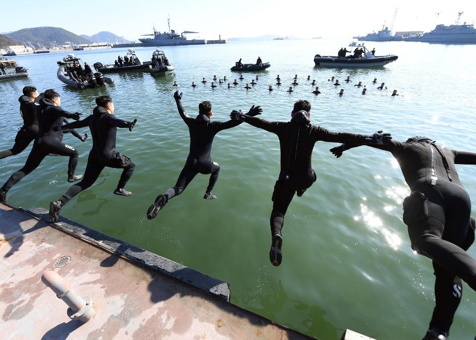 해군 심해잠수사 SSU 혹한기훈련 8.jpg