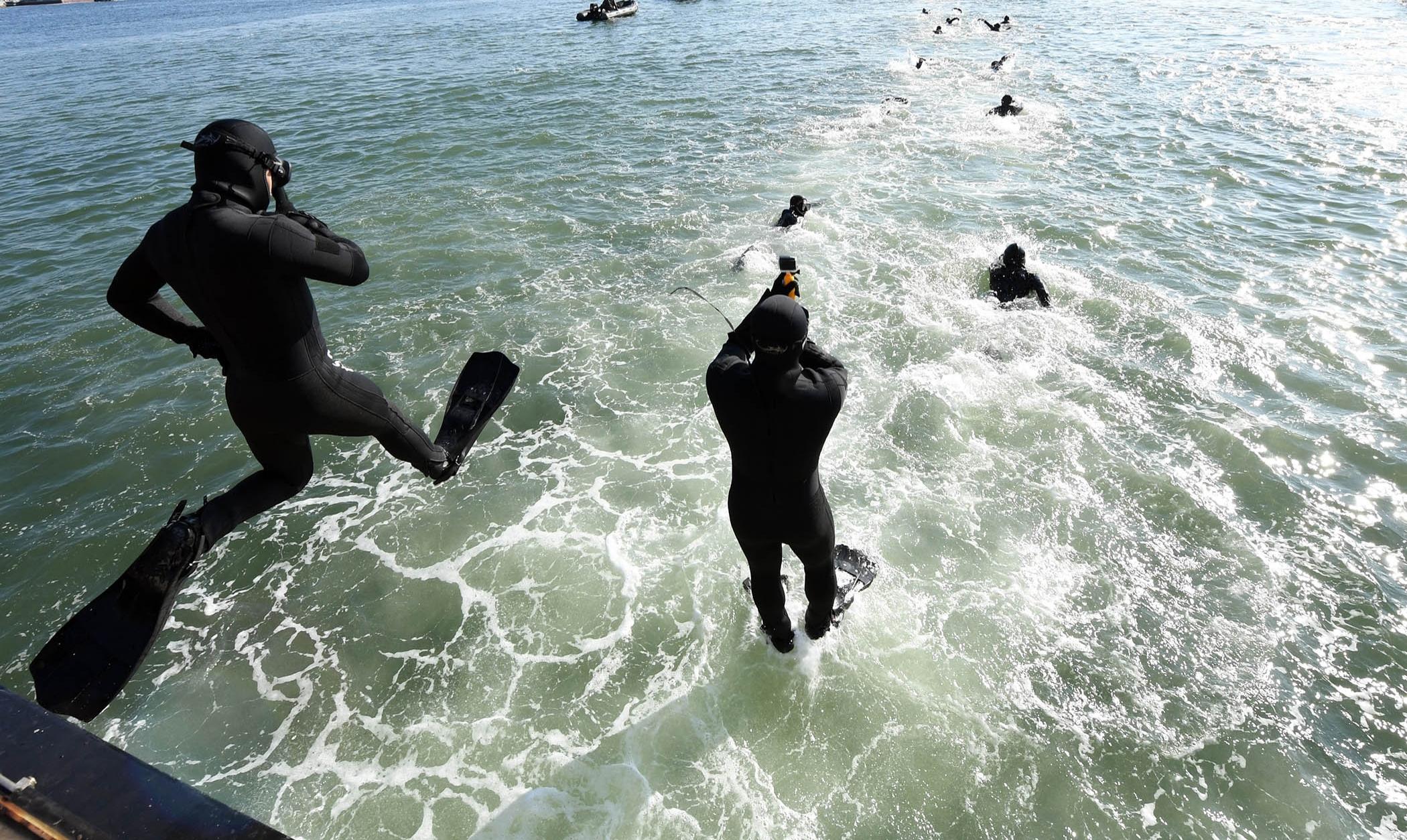 해군 심해잠수사 SSU 혹한기훈련 11.jpg