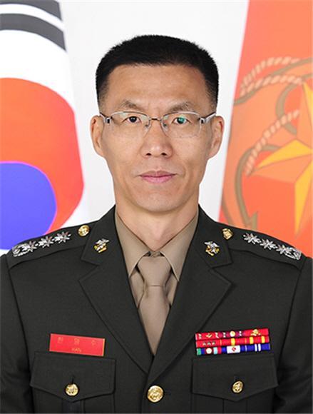 한명수 국군지휘통신사령부·해병대령.jpg